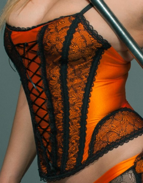 lace-up-corset